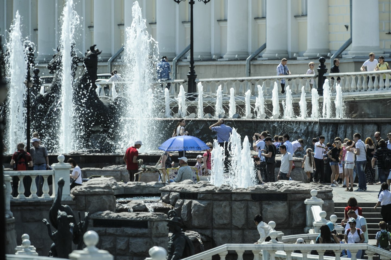 Maskvoje ir Sankt Peterburge šią savaitę buvo užfiksuotos aukščiausios per pastaruosius 120 metų birželio temperatūros.<br>V.Ščiavinsko nuotr.