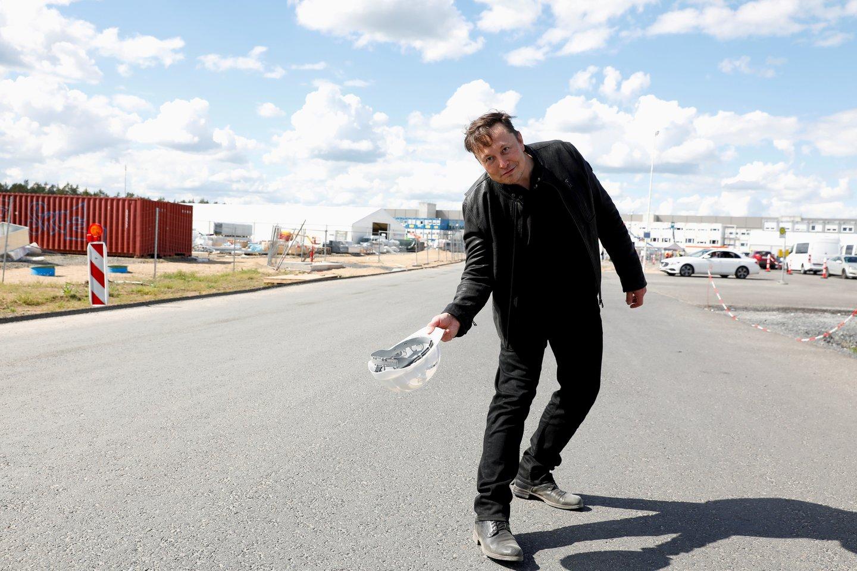 """A.Armonaitė nuotoliniu būdu susitiko su Elono Musko bendrovės """"SpaceX"""" atstovais.<br>""""Reuters/Scanpix"""" nuotr."""