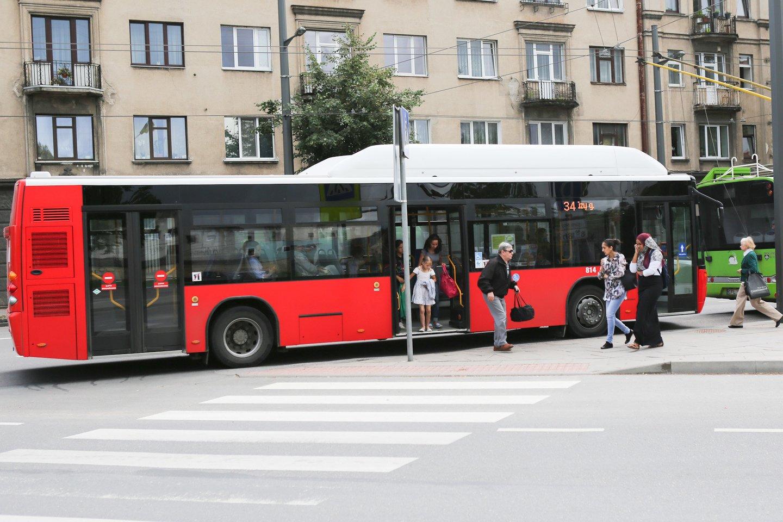 Nuo rugpjūčio Kaune naudotis viešojo transporto paslaugomis bus kur kas paprasčiau ir patogiau.<br>G.Bitvinsko nuotr.
