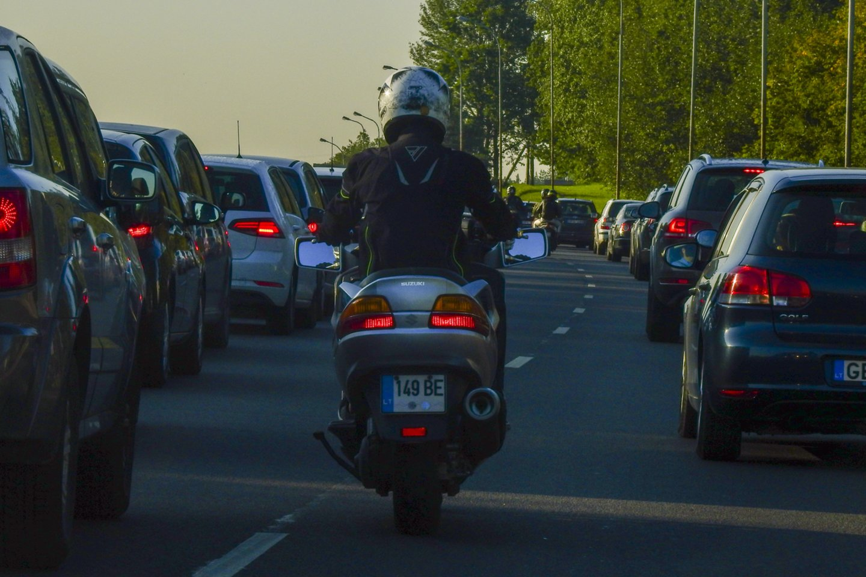 Įprastai A1 kategorijos privalomo praktinio vairavimo kursą sudaro 10 valandų.<br>V.Ščiavinsko nuotr.
