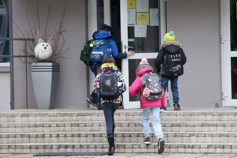 Į norimas Vilniaus mokyklas prašymus mokytis arba tęsti mokslą pateikė 13 tūkst. vaikų tėvų.<br>R.Danisevičiaus nuotr.