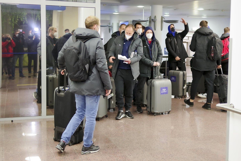 Svarbi žinia Jungtinėje Karalystėje gyvenantiems lietuviams: pavėlavusiems teks grįžti į gimtinę.<br>V.Ščiavinsko nuotr.