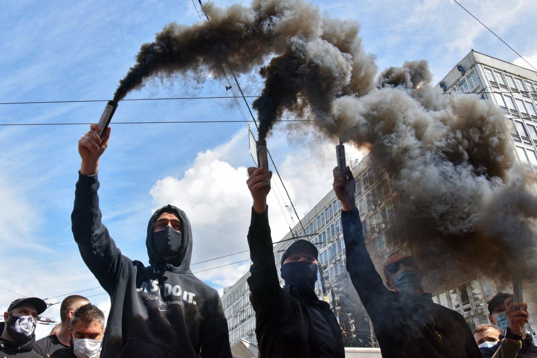 V. Medvedčuko teismo posėdžio metu mieste kilo protestai.<br>ZUMAPRESS.com/Scanpix nuotr.
