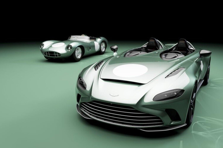 """Naujasis """"Aston Martin"""" kūrinys tobulai atspindi didingą gamintojo patirtį lenktynėse ir pirmąjį jų sukurtą lenktyninį automobilį.<br>Gamintojo nuotr."""