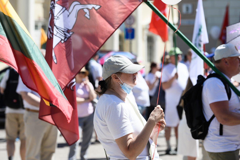 Didžiojo šeimos gynimo maršo sėkmės paskatinti veikėjai buvo surengę trijų dienų akciją Vilniaus centre.<br>V.Skaraičio nuotr.