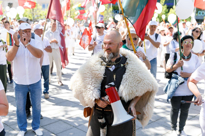 Didžiojo šeimos gynimo maršo sėkmės paskatinti veikėjai buvo surengę trijų dienų akciją Vilniaus centre.<br>T.Bauro nuotr.