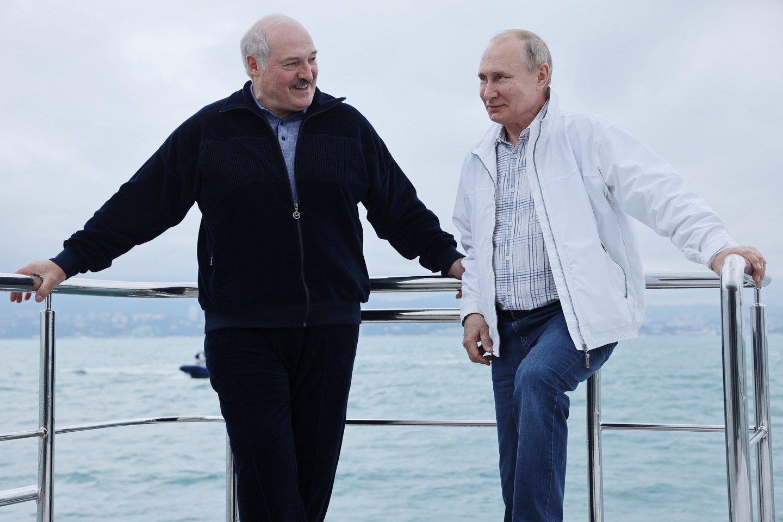 Pagrindinė sankcijų naudos gavėja gali tapti Rusija<br>TASS/Scanpix nuotr.