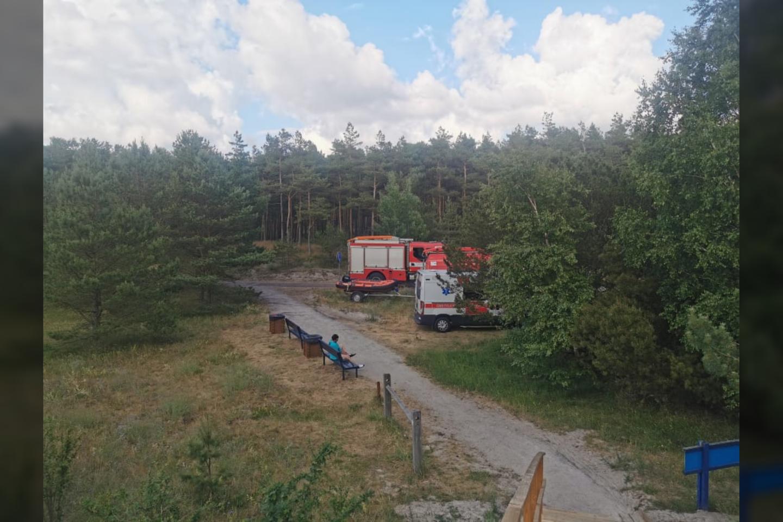 Šeštadienio vakarą Baltijos jūra pasiglemžė pirmąsias šių metų aukas – Smiltynėje nuskendo 47 metų moteris ir jos 25 metų sūnus.<br>G.Ališauskaitės nuotr.