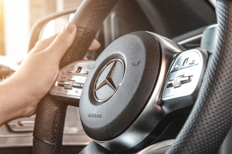 """""""Daimler"""" koncernas siekia atsikratyti savo sunkvežimių padaliniu.<br>www.unsplash.com nuotr."""
