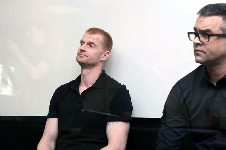 """Vieno Kauno """"Agurkinių"""" D.Bugavičiaus nužudymo byloje kaltinami du estai ir lietuvis išgirdo nuosprendį (nuotr. R.Baika).<br>M.Patašiaus nuotr."""
