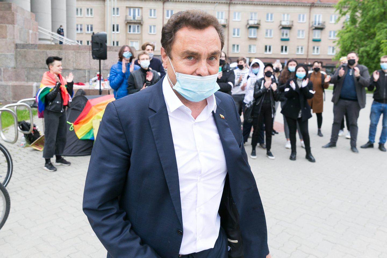 Prokurorai bandys įrodyti, kad Seimo narys P.Gražulis prisivirė košės.<br>T.Bauro nuotr.