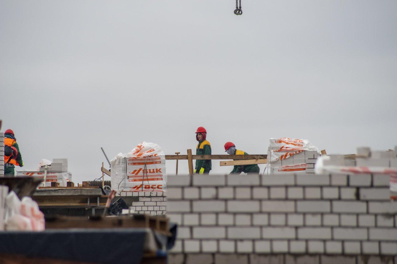 """Ekonomistas Ž. Mauricas """"Žinių radijo"""" laidoje """"Atviras pokalbis"""" pabrėžė, kad, kylant kainoms, kilti turėtų ir nekilnojamojo turto kokybė.<br>V.Ščiavinsko nuotr."""
