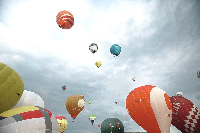 Oro balionai – gražus reginys.<br>G.Bitvinsko nuotr.