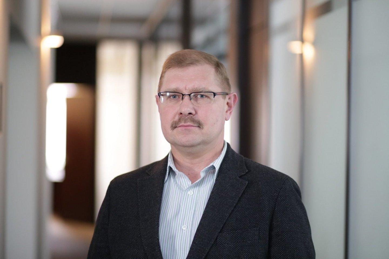 Savivaldybės administracijos direktorius Arūnas Kacevičius sako prašęs į medžių kirtimo problemą pažvelgti labai atsakingai.<br>www.rinkosaikste.lt nuotr.