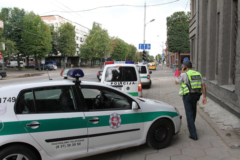 Per savaitę Kelių patrulių kuopos pareigūnai mobiliais greičio matavimo prietaisais užfiksavo 1075 greičio viršijimo atvejus.<br>M.Patašiaus nuotr.