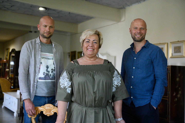 Iš kairės Edvinas Jasevičius, Danutė Jasevičienė, Morenas Jasevičius.<br>V.Skaraičio nuotr.