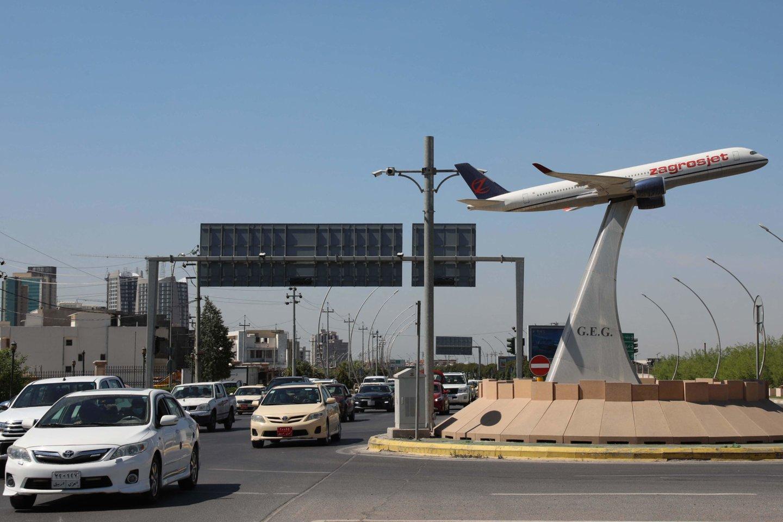Irako šiaurėje esantis Arbilio tarptautinis oro uostas vėlai antradienį atakuotas dronais su bombomis, pranešė kurdų pareigūnai.<br>AFP/Scanpix nuotr.