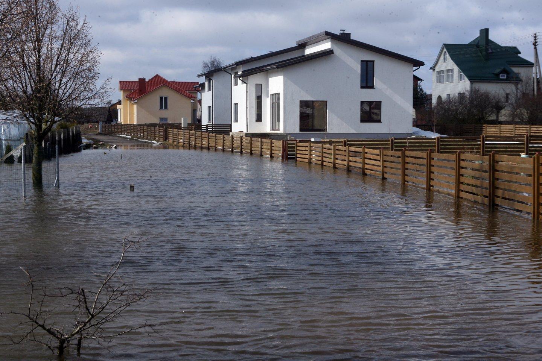 """Nekilnojamojo turto bumui tęsiantis ir stebint naujai kylančius nekilnojamojo turto projektus, didžiausia vandentvarkos bendrovė Lietuvoje """"Vilniaus vandenys"""" akcentuoja pasigendantys didesnės statytojų atsakomybės visuomenei bei gamtai.<br>T.Bauro nuotr."""