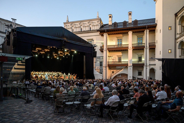 Valdovų rūmuose skambėjo opera LIETUVIAI.<br>M.Aleksos nuotr.