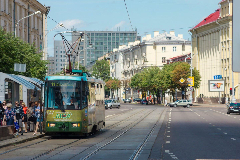 Baltarusijai įvestos sankcijos skaudžiai kirto ir šios šalies automobilių pramonei.<br>www.unsplash.com nuotr.
