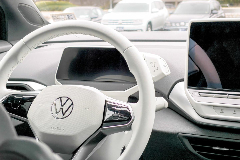 """Venecijos teismas nurodė """"Volkswagen"""" išmokėti kompensacijas daugiau kaip 63 tūkst. Italijos klientų.<br>www.unsplash.com nuotr."""