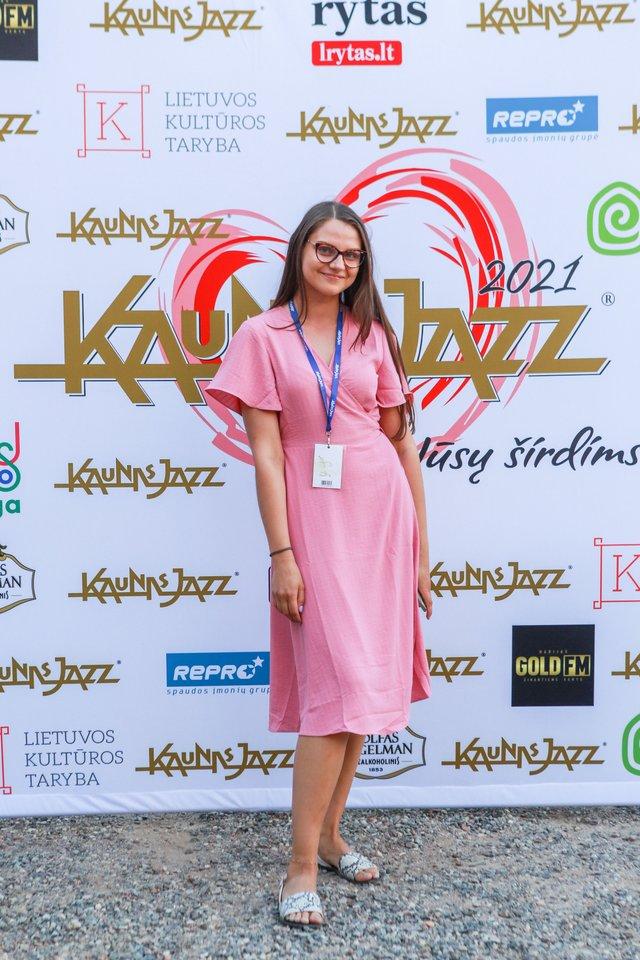 Festivalio savanorių vadovė Karolina Leskauskaitė.<br>G.Bitvinsko nuotr.