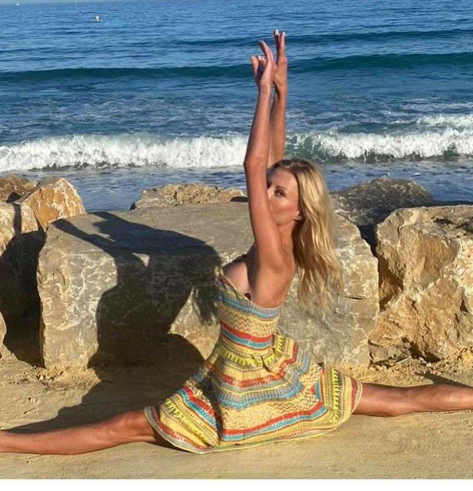 Genutė Žalienė stebina savo lankstumu.<br>Asmeninio albumo nuotr.