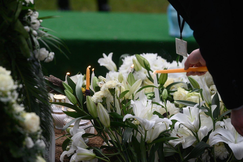 Prieš kelerius metus atlikta apklausa parodė, kad šalies biudžetas iš verslo, veikiančio laidojimo paslaugų srityje, kasmet praranda beveik 14 mln. eurų.<br>V.Skaraičio nuotr.