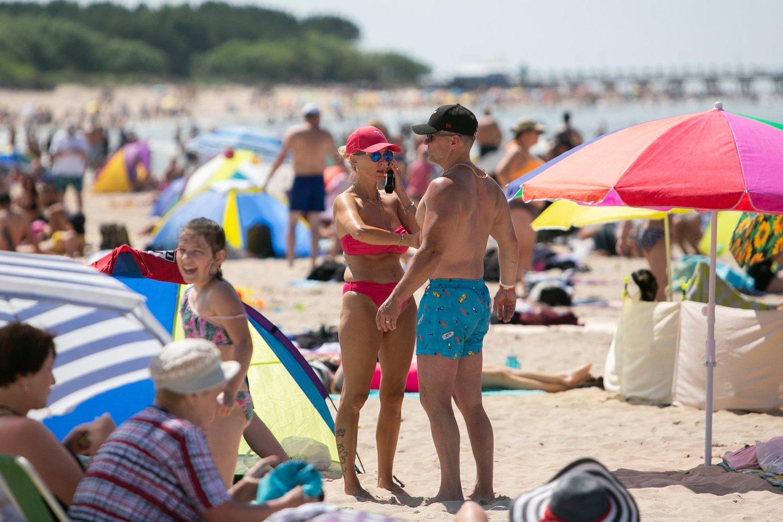 Vasaros saulė kelia rimtų pavojų sveikatai.<br>G.Bitvinsko nuotr.