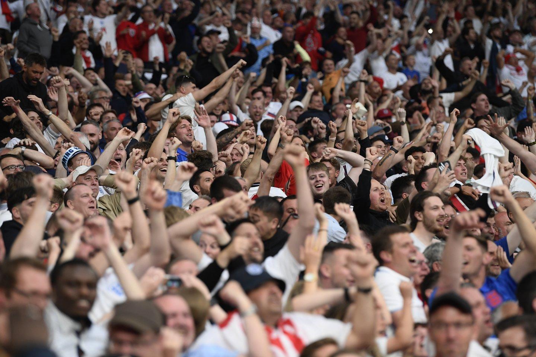 Anglijos ir Italijos rungtynių akimirka.<br>AFP/Scanpix nuotr.