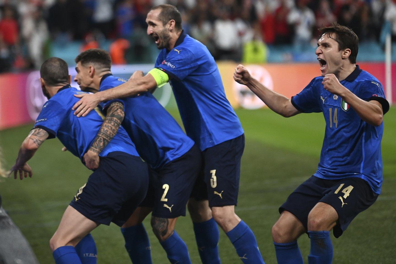 Anglijos ir Italijos rungtynių akimirka.<br>AP/Scanpix nuotr.