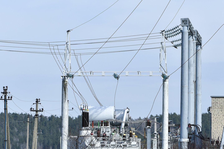 Nuo liepos mėnesio Susisiekimo ministerijos pastate apšvietimui ir kitoms reikmėms naudojama žalioji energija.<br>V.Ščiavinsko nuotr.