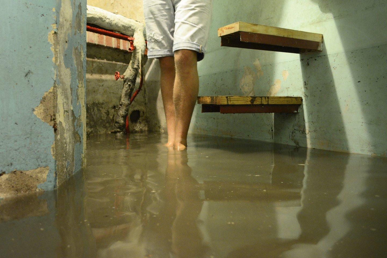 Užliejimai yra viena iš nemaloniausių ir netikėčiausių nelaimių, kuri gali nutikti būstui.<br>J.Stacevičiaus nuotr.