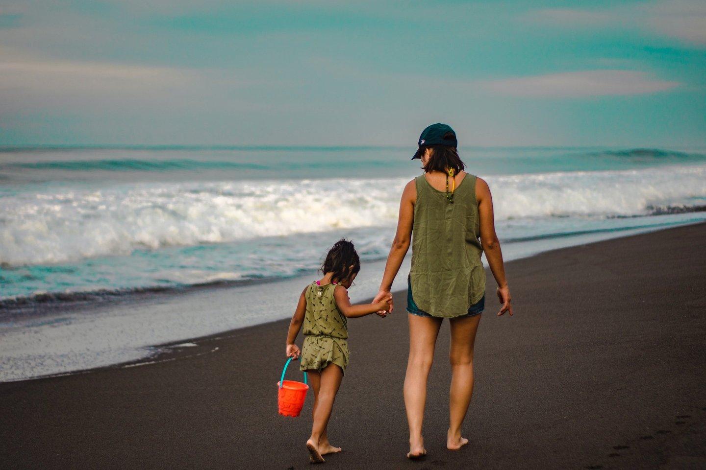 Vasarą nemažai tėvų vaiko atostogas sustyguoja taip, kad jis vos spėja iš vienos stovyklos į kitą, iš vienų senelių – pas kitus.<br>Pranešimo spaudai nuotr.