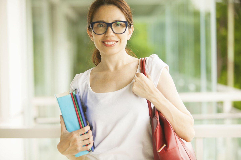 """Nors šalies aukštosios mokyklospripažįsta, kad būsimųjų pedagogų skaičius vis dar nedžiugina, panašu, jogsusidomėjimas mokytojo specialybe po truputį auga.<br>""""123rf.com"""" asociatyvioji nuotr."""