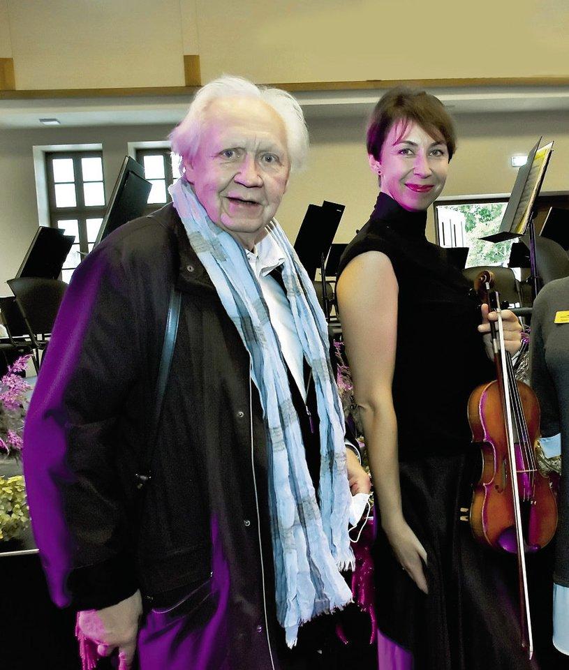 Barbora dėkinga tėvui žinomam dirigentui S.Domarkui, kad prieš 41 metus Šimonių girioje nupirko unikalią sodybą.<br>Asmeninio archyvo nuotr.