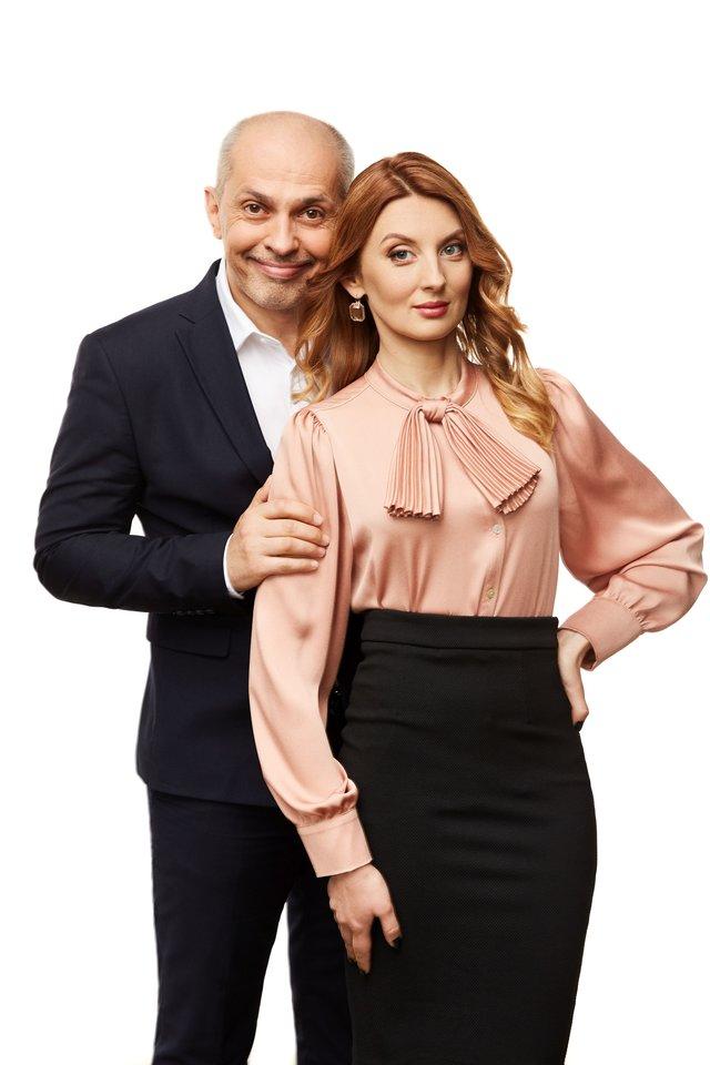 Valentinas Kirejevas įkūnija televizjos vadovą, o A.Kaktaitė – jo sekretorę.<br>LNK nuotr.