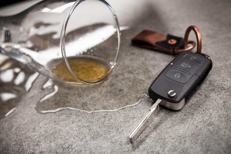 Neįmanoma objektyviai apibrėžti, koks alkoholio kiekis galėtų būti saugus vairuotojui.<br>123rf.com asociatyvi nuotr.