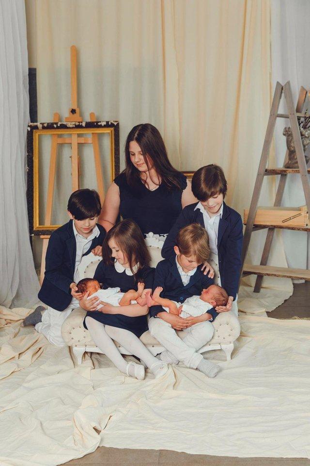 """Borkevičiai įsitikinę, kad broliai ir seserys yra didžiausias turtas, kurį jie gali duoti savo vaikams.<br>""""Studio Smile"""" nuotr."""