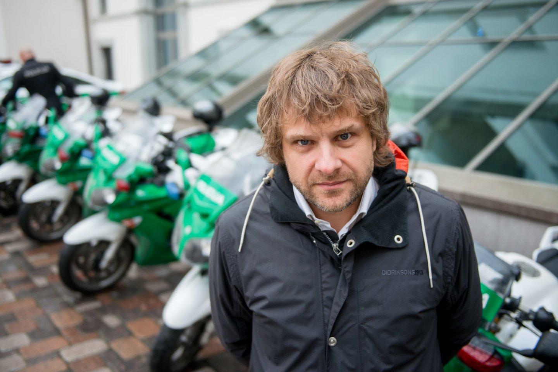 Benediktas Vanagas aktyviai dalyvauja visuomeninėje veikloje.<br>J.Stacevičiaus nuotr.