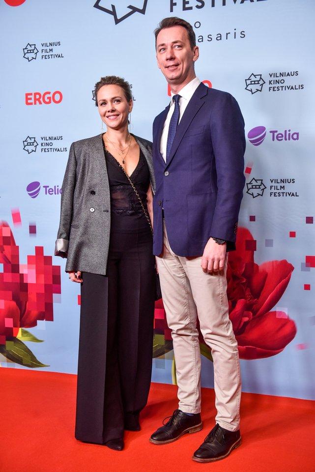 Vytautas Kernagis jaunesnysis skiriasi su žmona Rima.<br>LR archyvo nuotr.