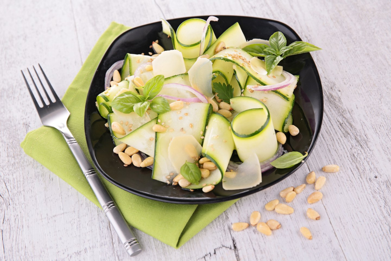 Cukinija – universali daržovė, tinkama tiek salotoms, tiek karštiems patiekalams ruošti.<br>123rf nuotr.