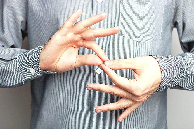 Kurčiųjų kalba – tai labiausiai paplitusi ženklų kalba pasaulyje.<br>123rf nuotr.