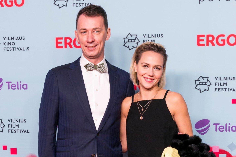 Vytautas Kernagis jaunesnysis skiriasi su žmona Rima.<br> LR archyvo nuotr.