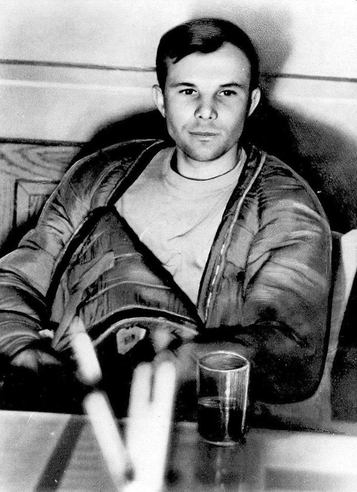 J.Gagarinas vilkėjo šildantį ir vėsinantį drabužį, kurį dėvėjo po oranžiniu kominezonu.