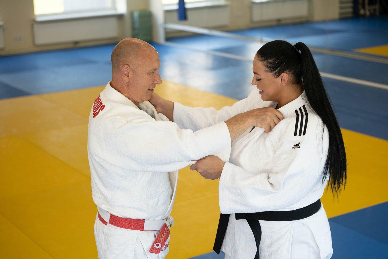 Sabžndra Jablonskytė ir treneris Virgmantas Sinkevičius.<br>judo.lt nuotr.