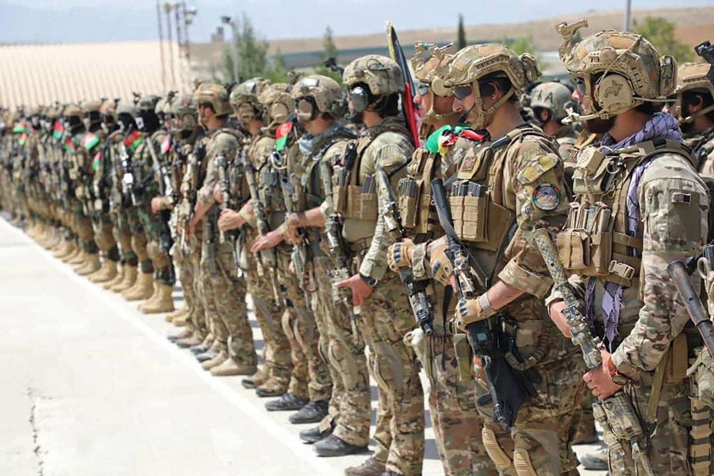 """Talibano lyderis Hibatullah Akhundzada sekmadienį pareiškė """"uoliai pritariantis"""" politiniam konflikto Afganistane sprendimui. (Asociatyvi nuotr.)<br>AFP/Scanpix nuotr."""