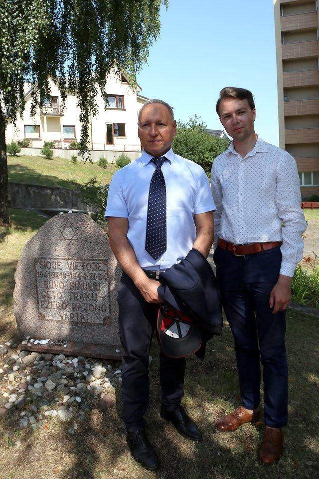 """Sekmadienį Šiauliuose ir Šiaulių rajone vyko 80-ųjų Holokausto pradžios Lietuvoje metinių paminėjimui skirtas projektas""""Atminties kelias 1941 – 2021"""".<br>R.Vitkaus nuotr."""