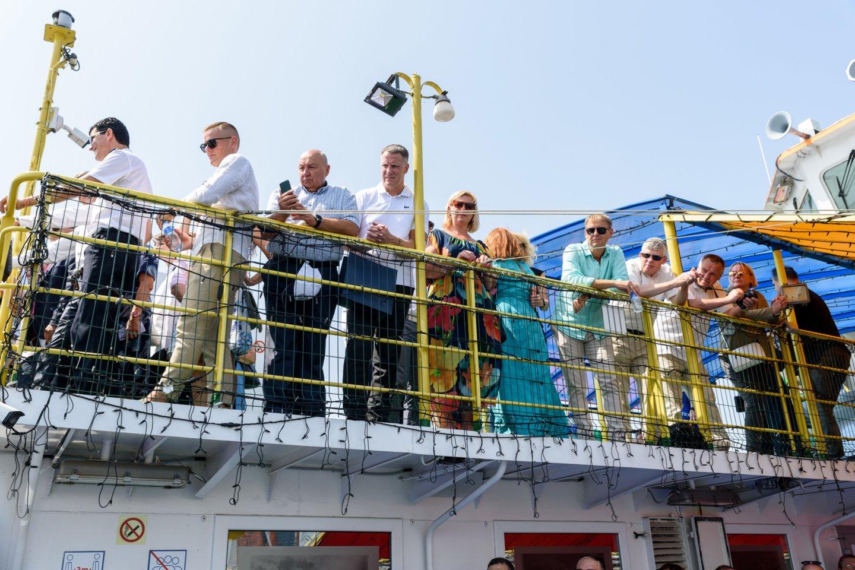 Svečiai apžvelgė Klaipėdos jūrų uosto krantines.<br>A.Kubaičio nuotr.