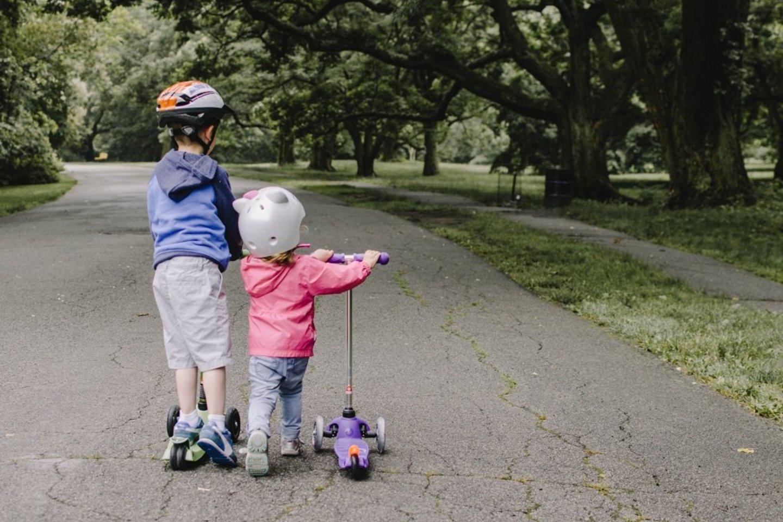 Dažniausiai nelaimių kaltininkais tampa vaikai, kurie apgadina svetimus automobilius.<br>Pranešimo spaudai nuotr.
